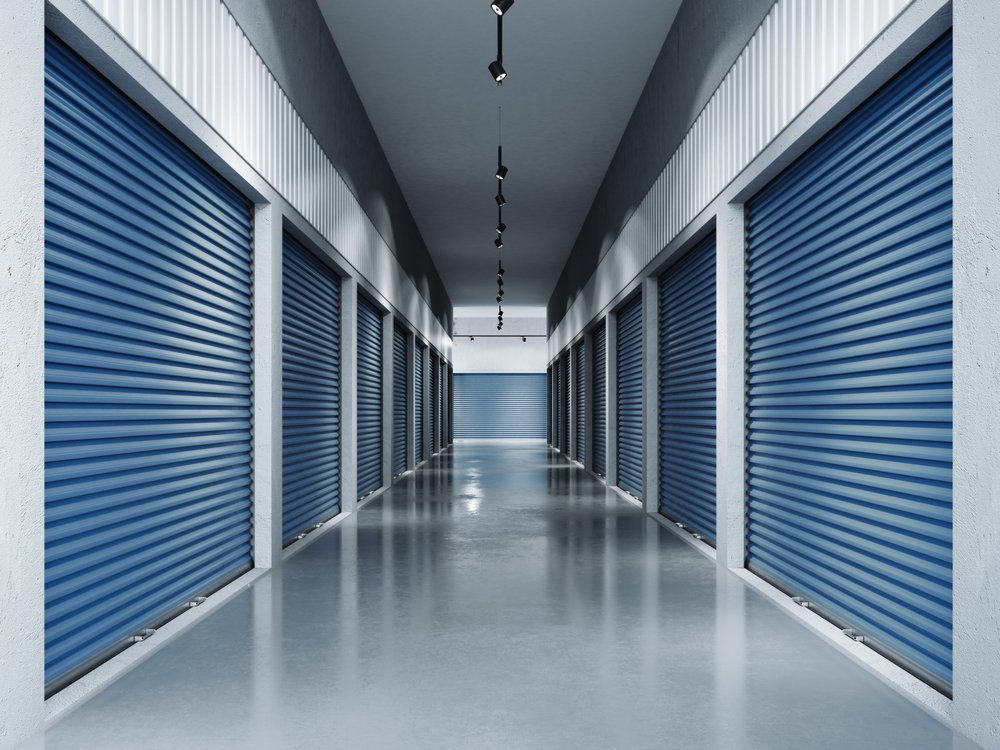 Toronto locker facility with clean floors